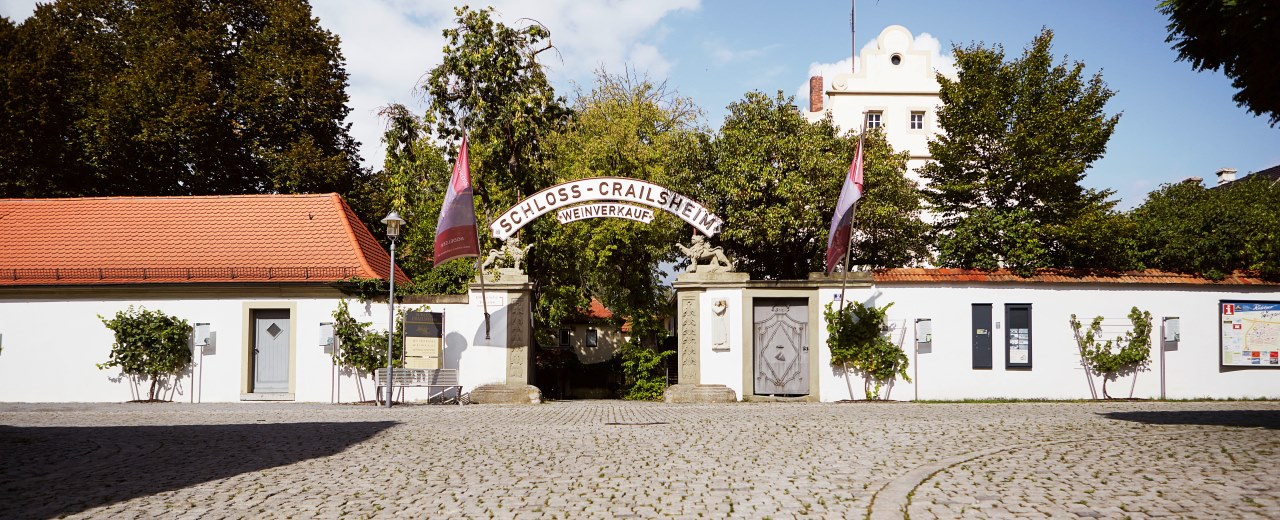 Malerische Außenansicht des Schloss Crailsheim der Winzergemeinschaft Franken