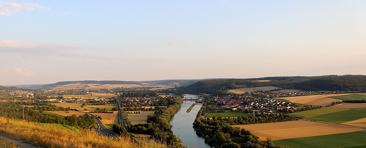 Der Weinwanderweg Stetten bietet einen weiten Ausblick auf das Maintal