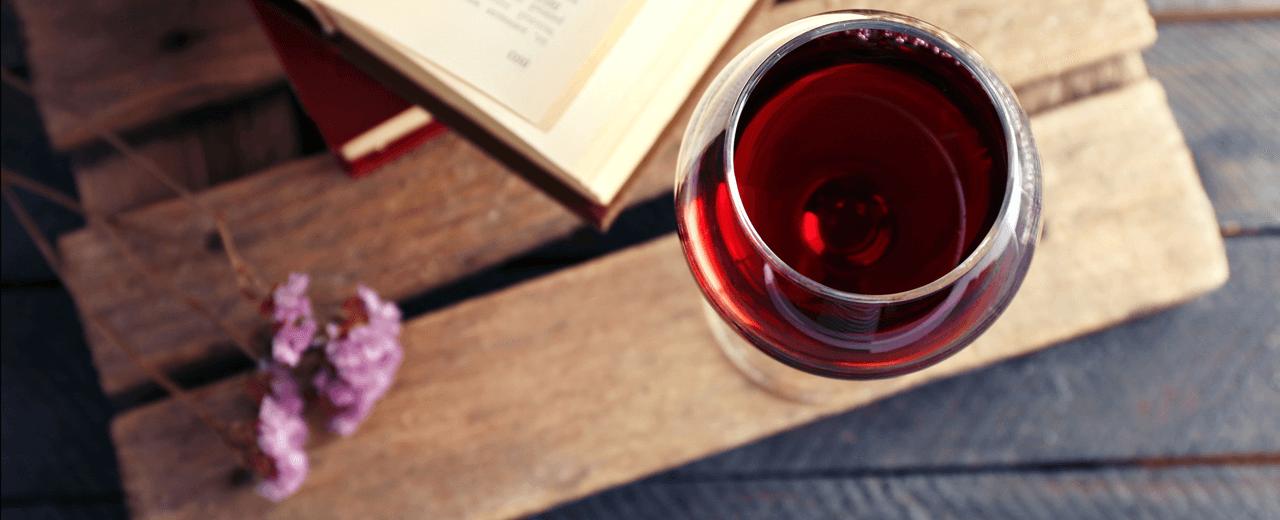 Glas Rotwein Weinmagazin