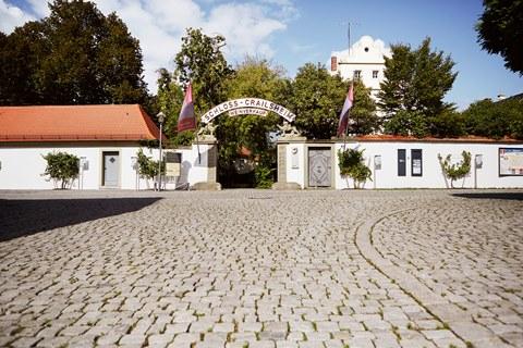 Malerische Außenansicht des Schloss Crailsheim der GWF